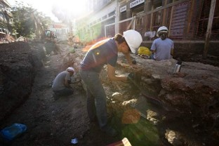 Rio de Janerio slavery Archaeology News Network photo shows progress in the work being done on unearthed slave port.